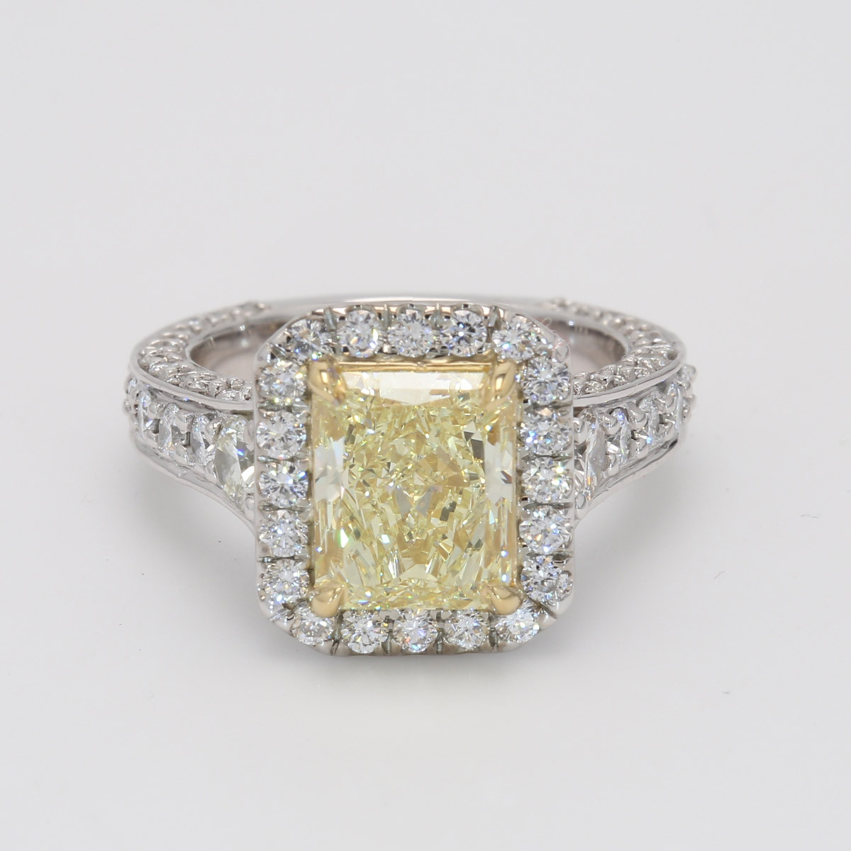 2.84CT Radiant Cut Yellow Diamond Engagement Ring Setting Halo .34CT 18K White Gold